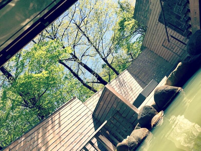 Village近くのホテル(フロラシオン那須)で 爽やかな早朝森林浴。