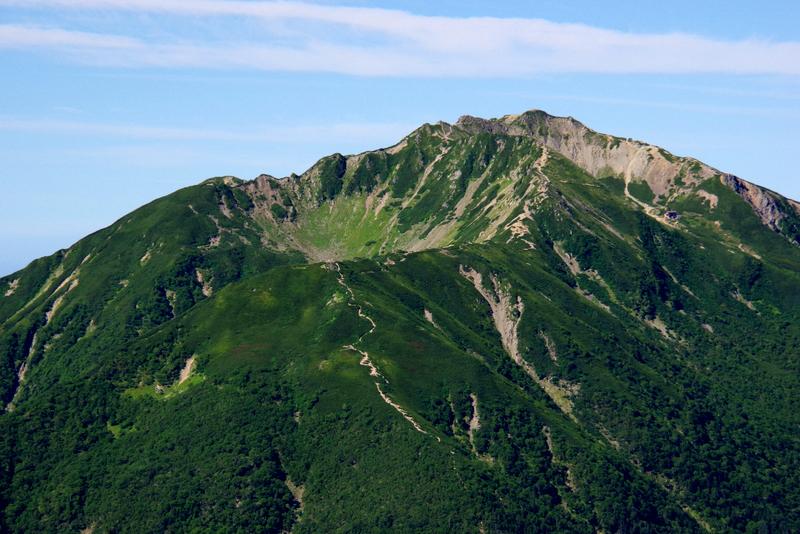 カールが美しい仙丈ヶ岳(甲斐駒ケ岳より)